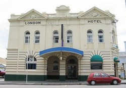 The London Hotel - Yarra Valley Accommodation