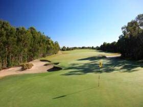 Pelican Waters Golf Club - Yarra Valley Accommodation