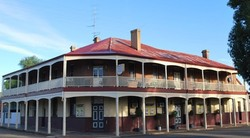 Brookton Club Hotel - Yarra Valley Accommodation
