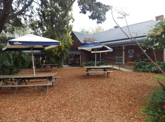 Victoria Hotel - Yarra Valley Accommodation