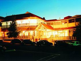 Loxton Community Hotel Motel - Yarra Valley Accommodation
