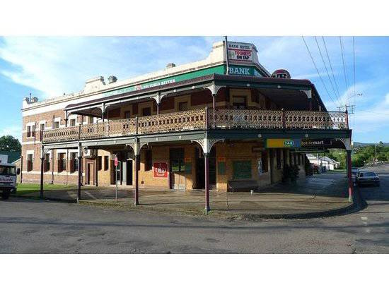 Bank Hotel Dungog - Yarra Valley Accommodation