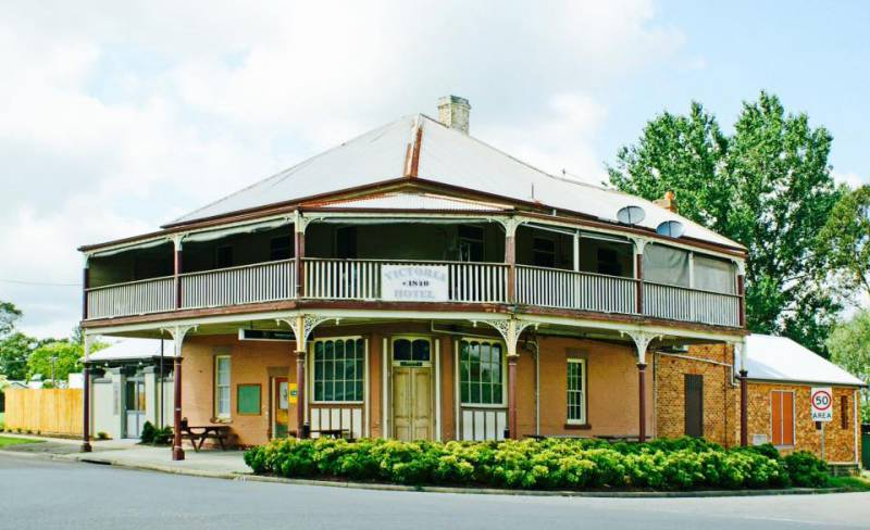 The Victoria Hotel Hinton - Yarra Valley Accommodation