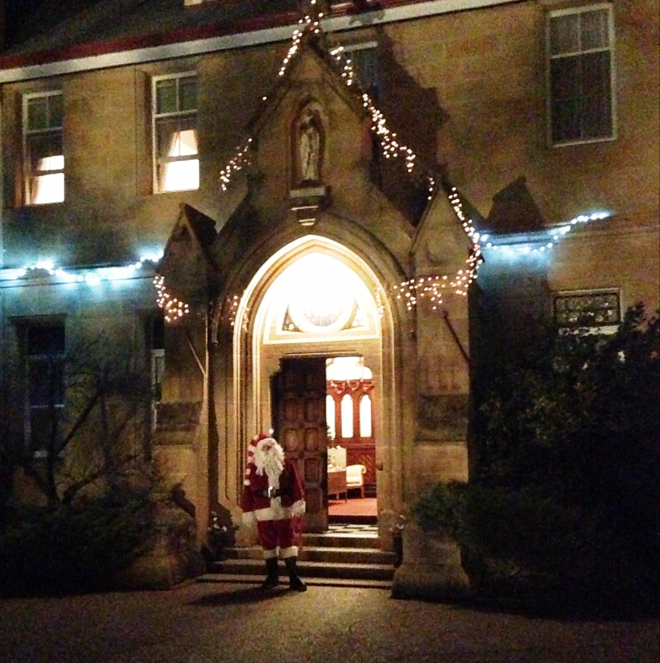 Abbey of the Roses - Christmas in July - Yarra Valley Accommodation
