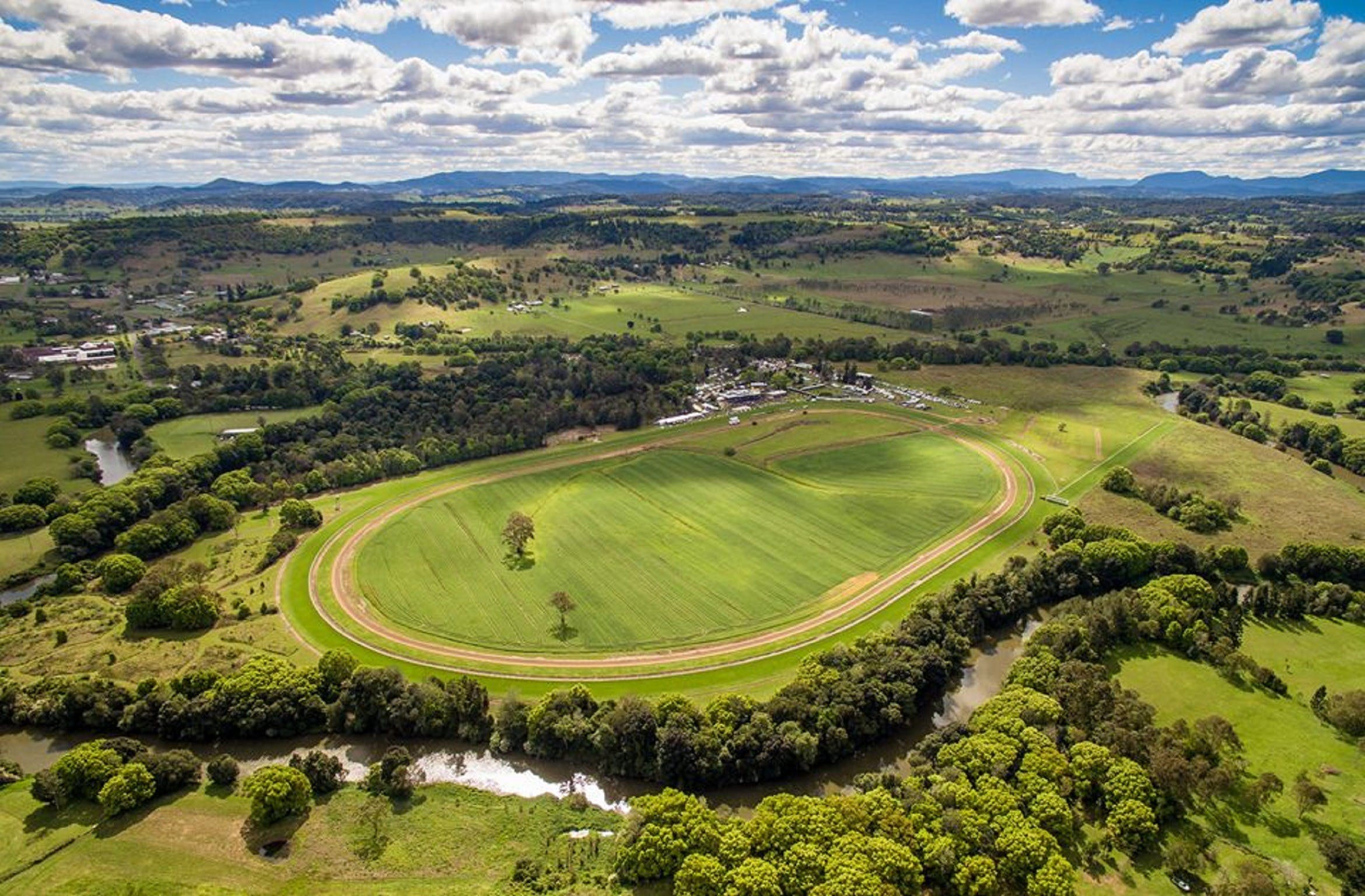 The OBrien Electrical and Plumbing Lismore Cup - Yarra Valley Accommodation