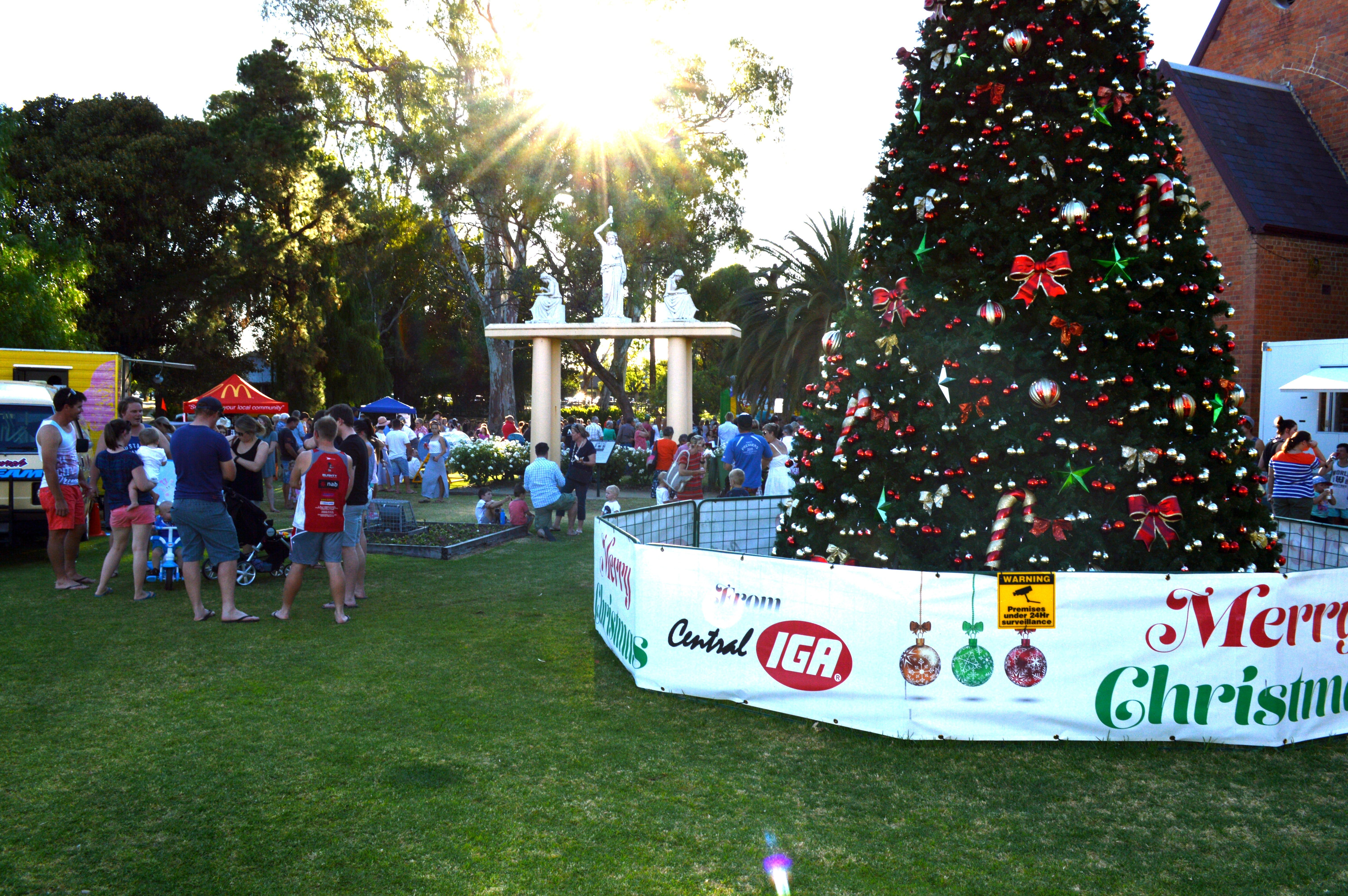 Community Christmas Party and Carols by Candlelight - Yarra Valley Accommodation