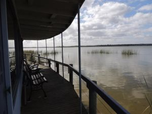 PS Federal Retreat Paddle Steamer Goolwa - Yarra Valley Accommodation
