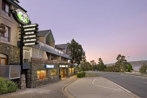 Banjo Paterson Inn - Yarra Valley Accommodation